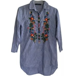 Walter Baker Women's Floral Embroidered Top EUC